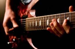 Guru Les Musik Privat Murah TerbaikSurabaya