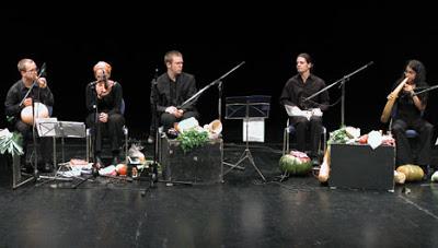https://klinikmusik.files.wordpress.com/2014/10/37cea-vegetable-orchestra.jpg