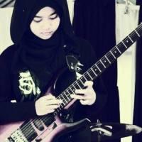 Profile Lengkap Meliani Siti Sumartini Gitaris Metal Asal Garut